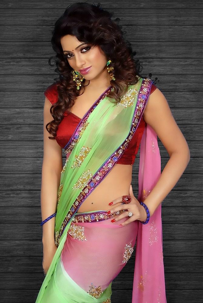 Udaya Bhanu In Saree Hot Spicy Look Still From Madhumati Movie