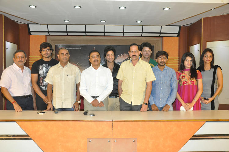 Henna,Kimaya,Rahul And Others Pose For Photo During Music Magic Movie Logo Launch