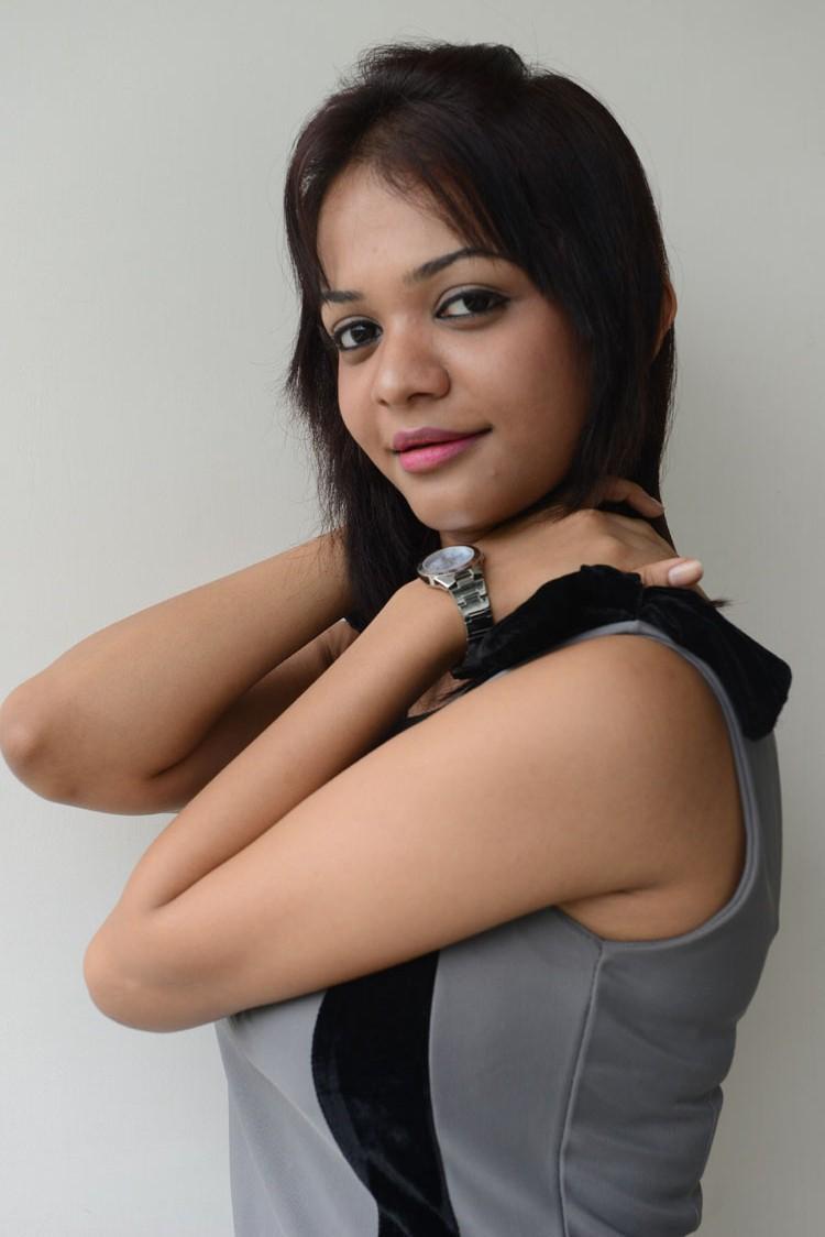 Heroine Henna Chopra At Music Magic Logo Launch