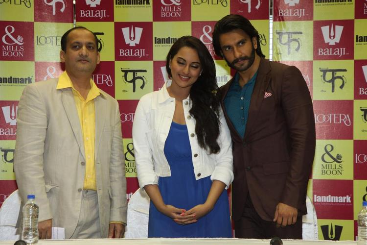 Sonakshi And Ranveer Posed During The Launch Of Mills And Boon For Film Lootera