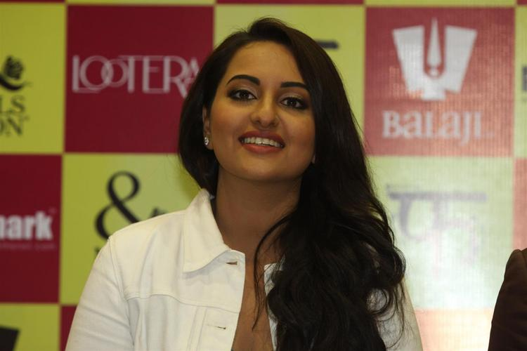 Sonakshi Sinha Delighted About Appearing On The Cover Of A Mills And Boon Book