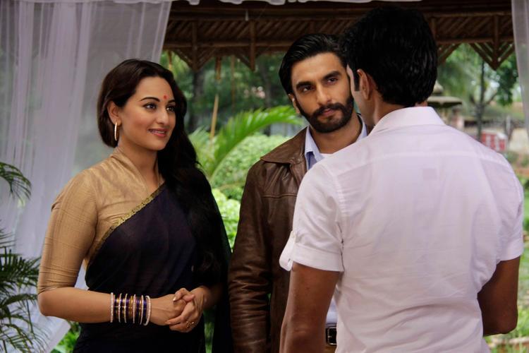 Sonakshi And Ranveer Promote Lootera On Uttaran Serial Sets