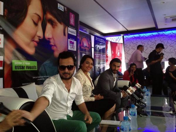 Sonakshi And Ranveer Address The Media During The Promotion Of Lootera In Dubai At A Press Conference