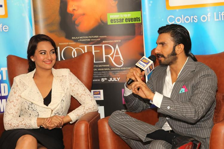 Sonakshi And Ranveer Cool Look At The Press Conference In Dubai
