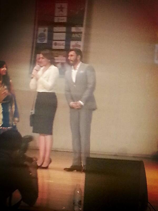 Sonakshi And Ranveer Snapped In Dubai At A Press Conference For Promoting Lootera