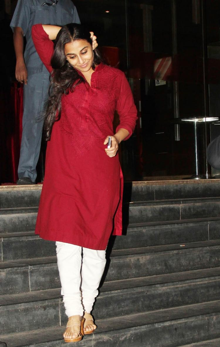 Vidya Balan Nice Look At The Special Screening Of Ghanchakkar