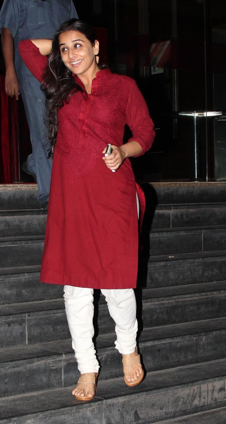 Vidya Balan Smiling Look At The Special Screening Of Ghanchakkar