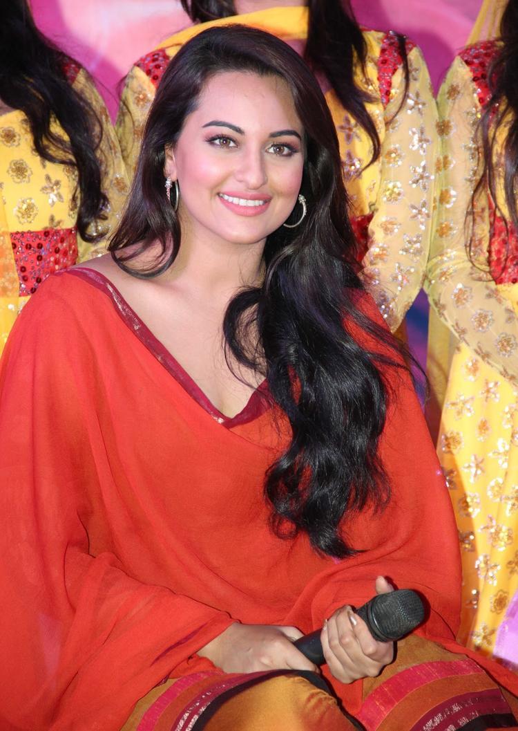 Sonakshi Sinha Unveil Of  Tayyab Ali Pyaar Ka Dushman Song Launch Event