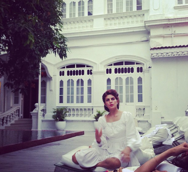 Jacqueline Fernandez Awesome Pic In White Dress