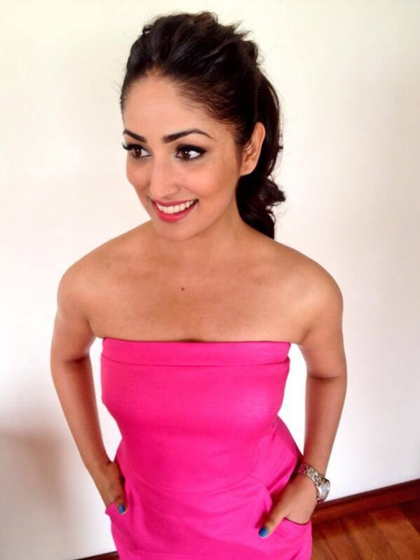 Glamorous Yami Gautam Flashes Smiling At The Cornetto Couple Hunt Event