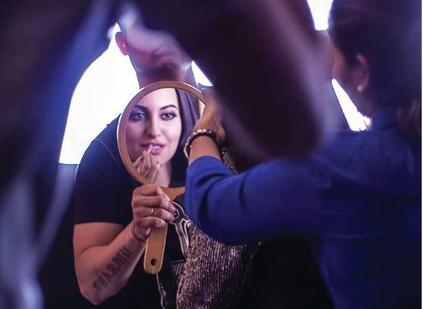 Sonakshi Sinha Behind Scene Make Up Still For Filmfare July 2013