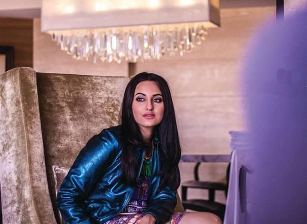 Sonakshi Sinha Nice And Cool Pic Behind The Scenes For Filmfare