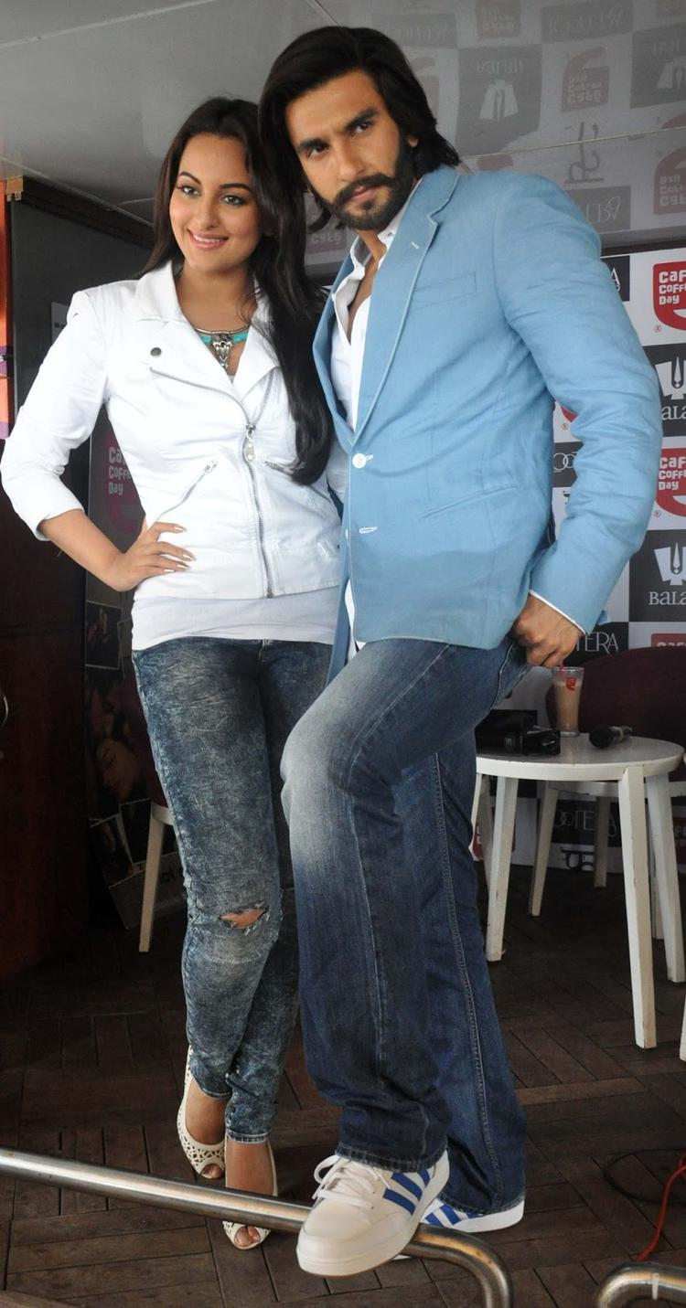 Sonakshi And Ranveer During The Promotion Of The Movie Lootera At Cafe Coffee Day