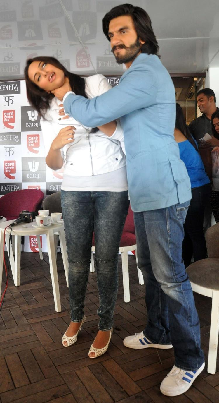Sonakshi And Ranveer Get Into Some Action During The Promotion Of Lootera At Cafe Coffee Day