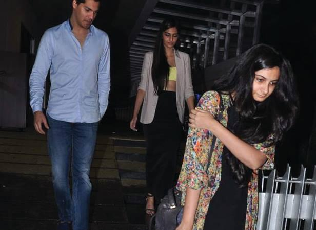Sonam And Rhea Spotted At Hakassan After Having Dinner With Friends