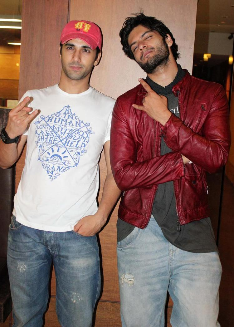Ali Fazal And Pulkit Samrat Pose During The Fukrey Movie Success Bash