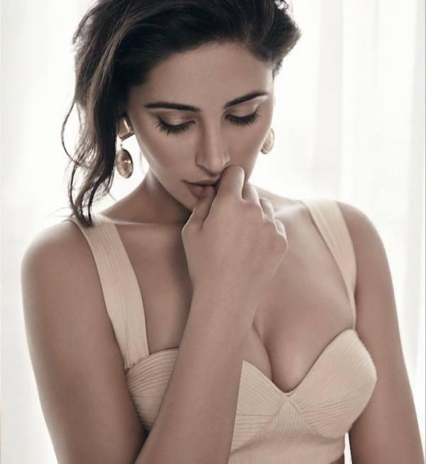 Nargis Fakhri Exclusive Sexy Hot Pose Photo Shoot For Maxim Magazine July 2013
