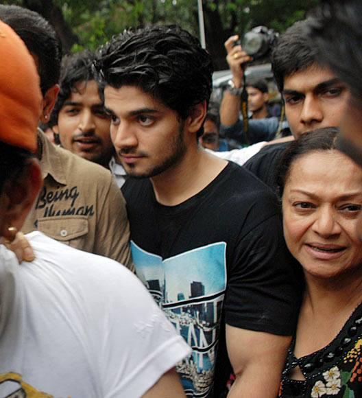 Suraj Pancholi With Mother Zarina Wahab Spotted Outside Of The Court After Suraj Pancholi Gets Bail