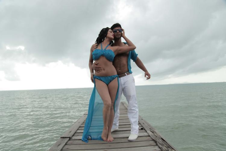 Veena Malik Hot Look Photo Shoot For Silk Sakkath Hot In Thailand