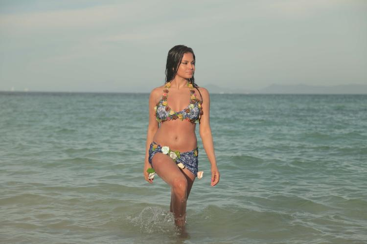 Veena Malik Wet Sexy Look In Water Photo Shoot For Silk Sakkath Hot In Thailand