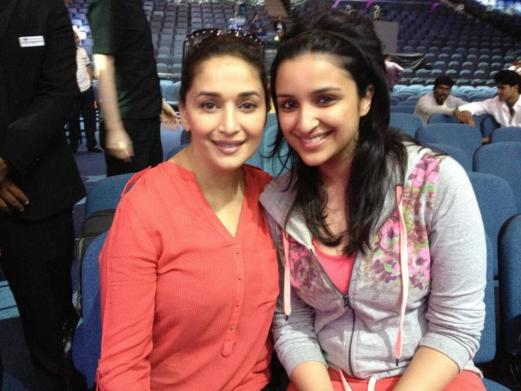 Madhuri And Parineeti Pose For Camera Behind The Scenes During IIFA 2013