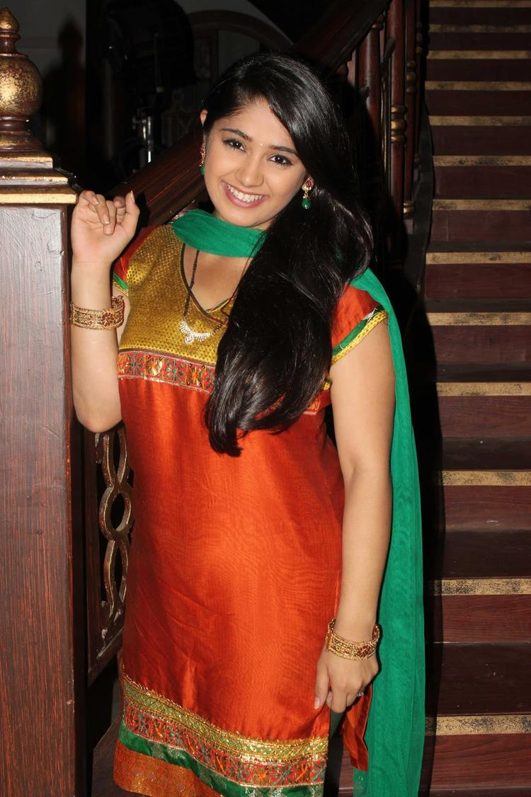Chandni Bhagwanani Flashes Smiling During The Promotion Of Issaq Movie On The Sets Of Amita Ka Amit