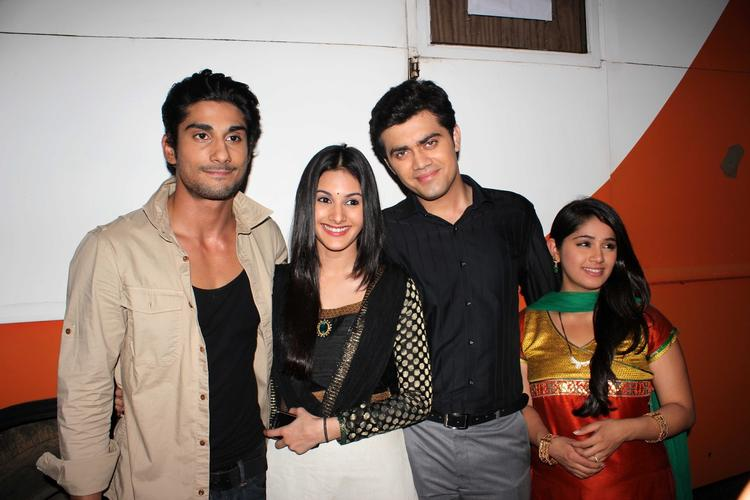 Prateik,Amyra,Nishad And Chandni On The Sets Of Amita Ka Amit During The Promotion Of Issaq Movie