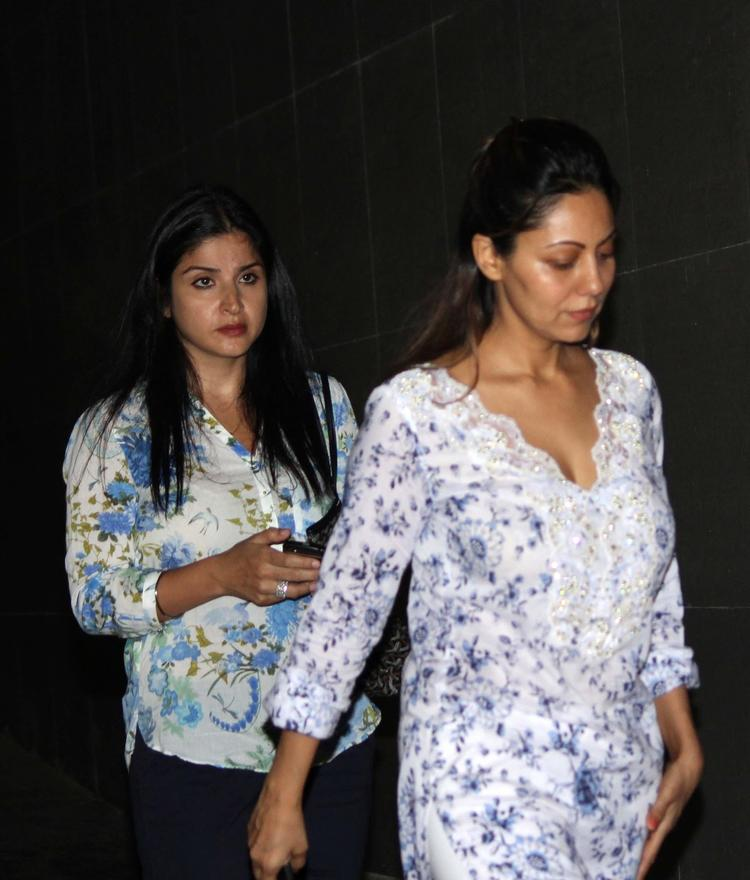 Gauri Khan Spotted At Mumbai's Hunduja Hospital Where Hrithik Roshan Underwent A Surgery