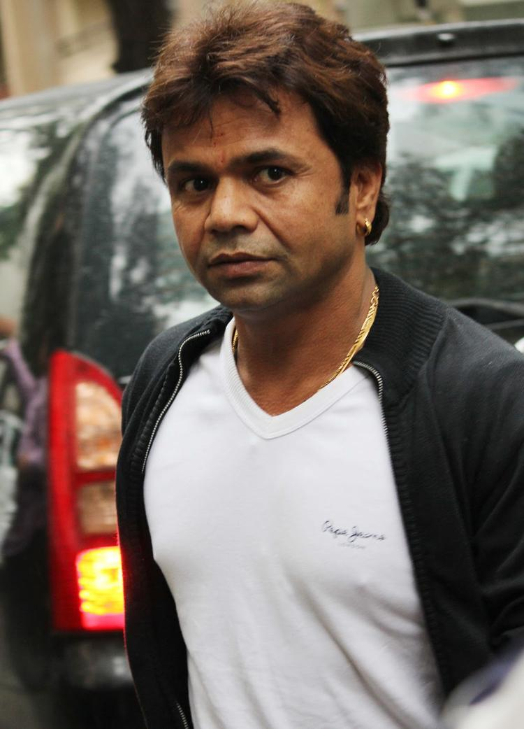 Rajpal Yadav Spotted At Mumbai's Hunduja Hospital Where Hrithik Roshan Underwent A Surgery