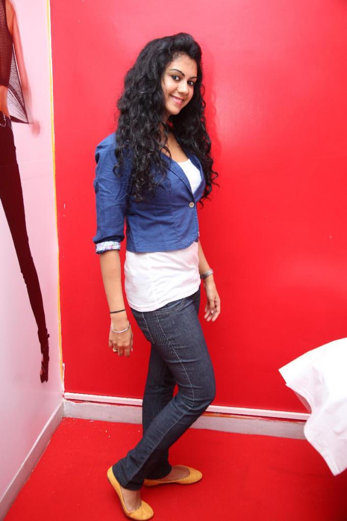 Kamna Jethmalani Naveena Slimming And Cosmetic Clinic Launch Photo