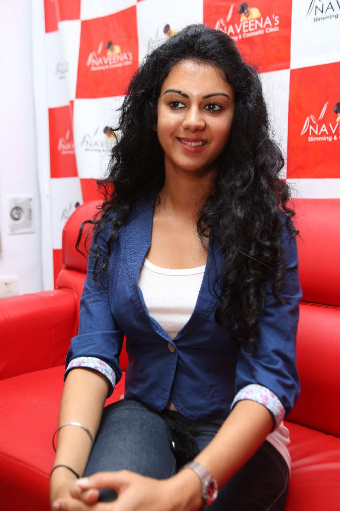 Kamna Latest Photo At Naveena Slimming And Cosmetic Clinic Opening