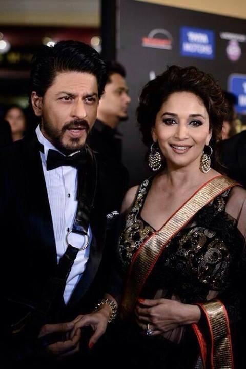 Shahrukh And Madhuri Nice Look At IIFA 2013 In Macau