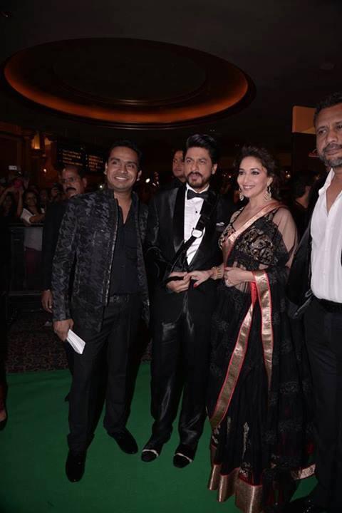 Shahrukh And Madhuri Posed At IIFA 2013 In Macau