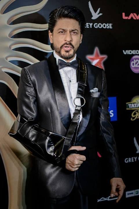 Shahrukh Khan Nice Look At IIFA 2013 In Macau