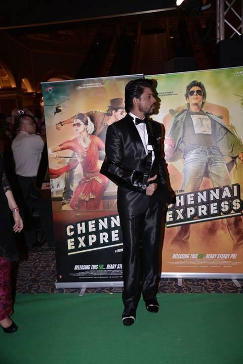 Shahrukh Khan Promotes His Upcoming Movie Chennai Express At IIFA 2013 In Macau