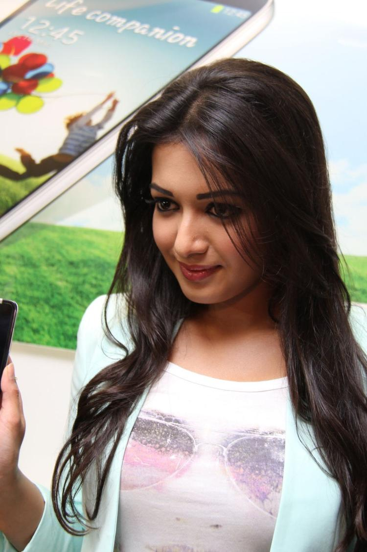 Catherine Tresa Glamour Look At Big C Mobile Showroom Launch Event