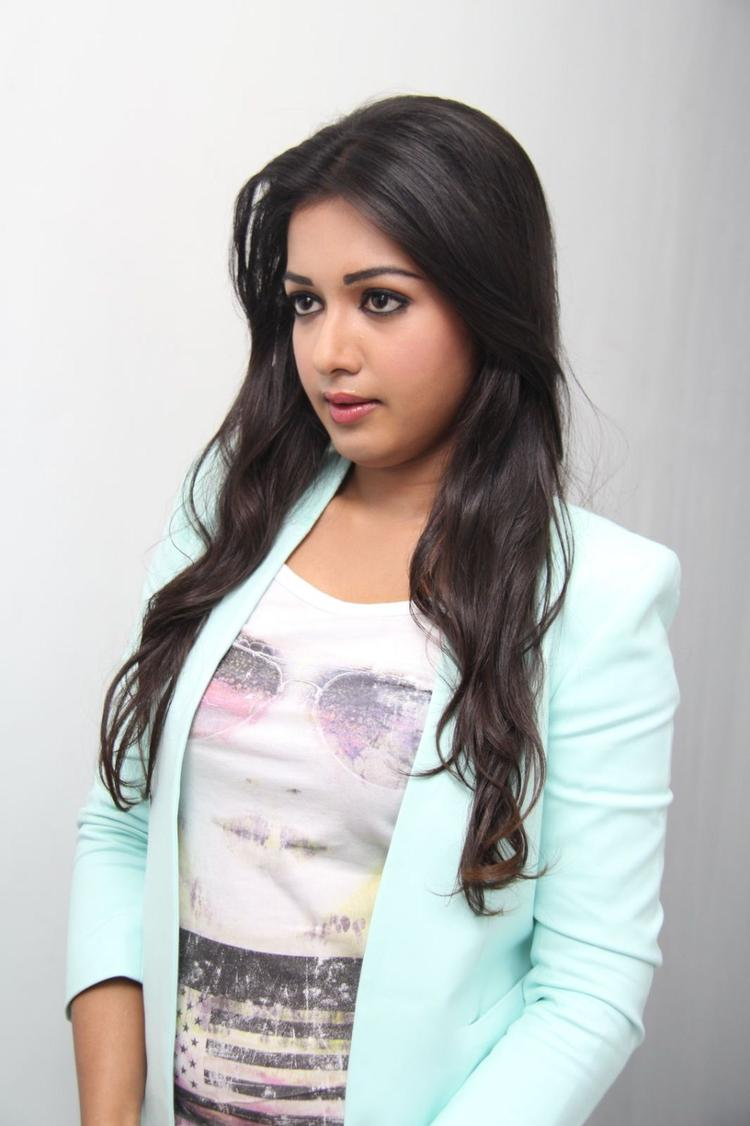 Catherine Tresa Graced At Big C Mobile Showroom Launch Event