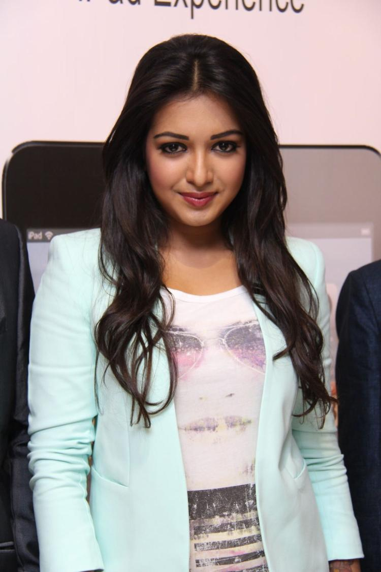 Catherine Tresa Sizzles During The Launch Of Big C Mobile Showroom