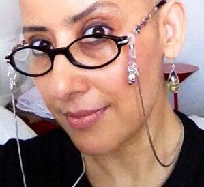 Manisha Koirala Bald Look Photo After Returning From New York