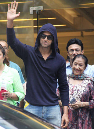 Hrithik Waves To Fans As He Leaves Hospital After Successful Brain Surgery