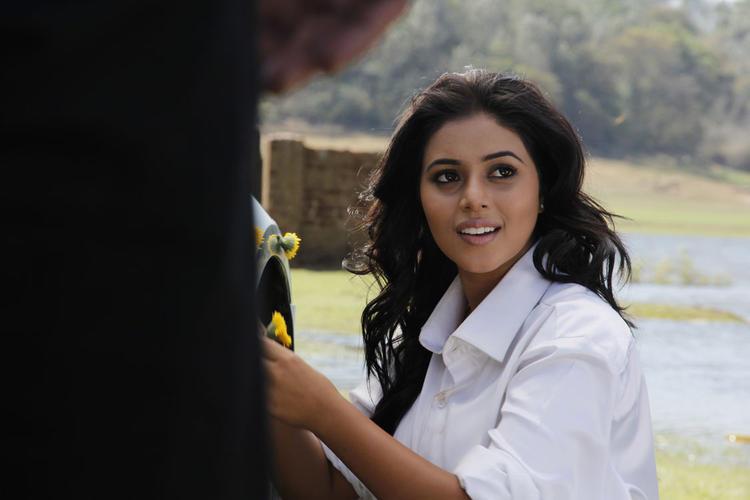 Poorna A Still From Telugulo Naaku Nachani Padam Prema Movie