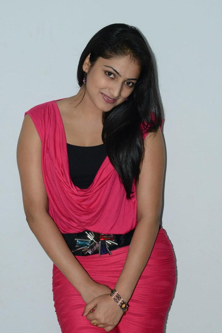 Hari Priya Sexy Look At Telugulo Naaku Nachani Padam Prema Press Meet
