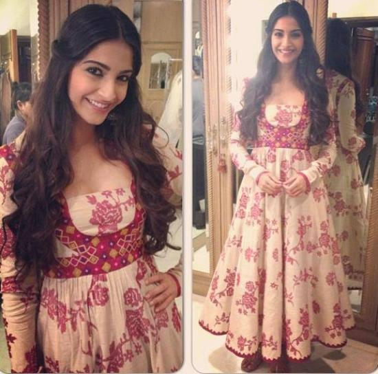 Sonam Looked Gorgeous In A Payal Pratap Creation During The Promotions Of BMB