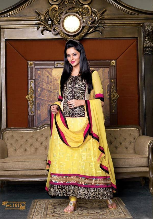 Aamna Sharif Looking So Dazzling In This Yellow Long Unstitched Salwar Kameez with Dupatta