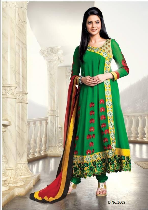 Aamna Sharif Looks Dazzling In Long Green Sleevefull Salwar kameez