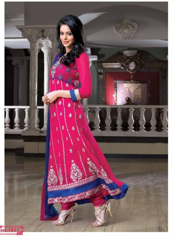Aamna Sharif  Magenta Color Salwar Kameez Beautiful Photo Shoot