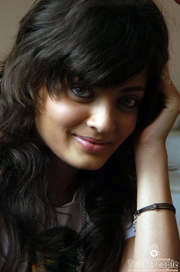Sneha Ullal Dazzling Face Look Still
