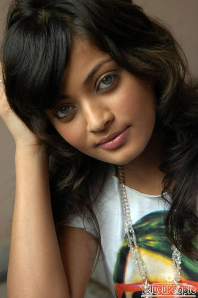 Sneha Ullal Green Eyes Look Hot Still