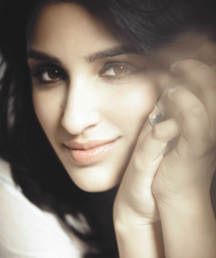 Parineeti Chopra Attractive Look Shoots For The Man Magazine July Issue 2013