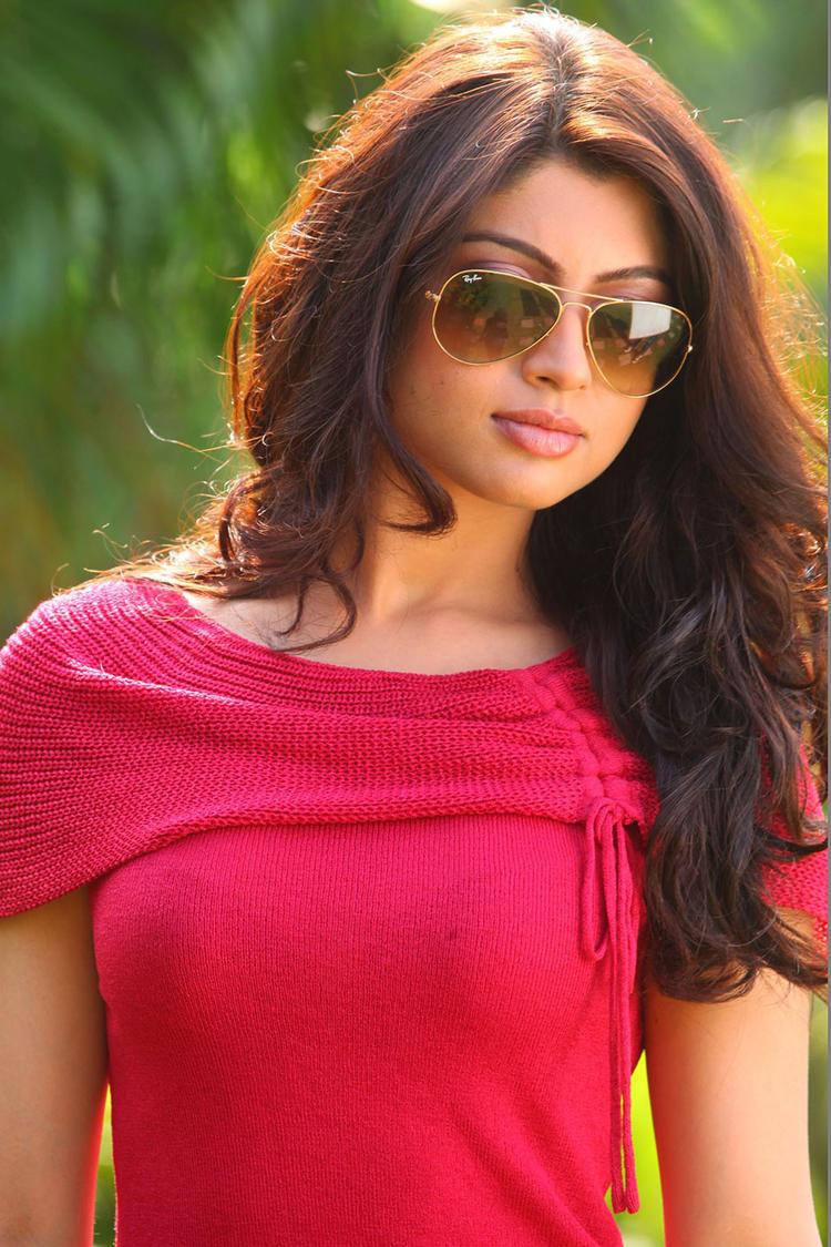Akanksha Puri Nice Stylist Look In Sunglasses